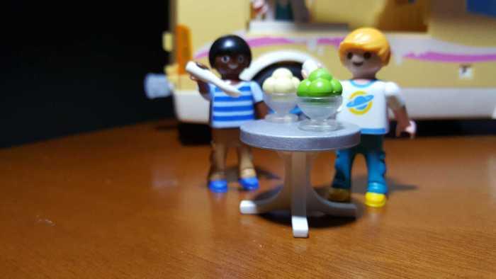 playmobil ice cream truck boys eating ice cream
