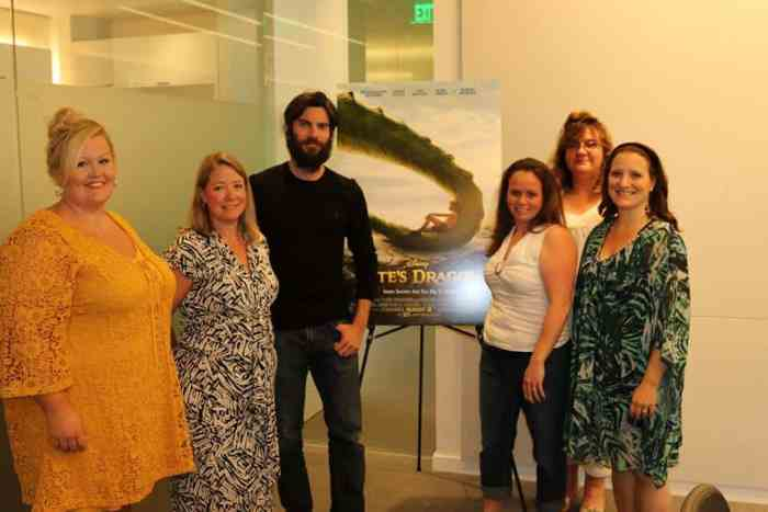 wes bentley with bloggers