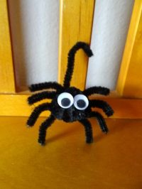Easy DIY Pipe Cleaner Flower Craft for Kids - Mommy Snippets