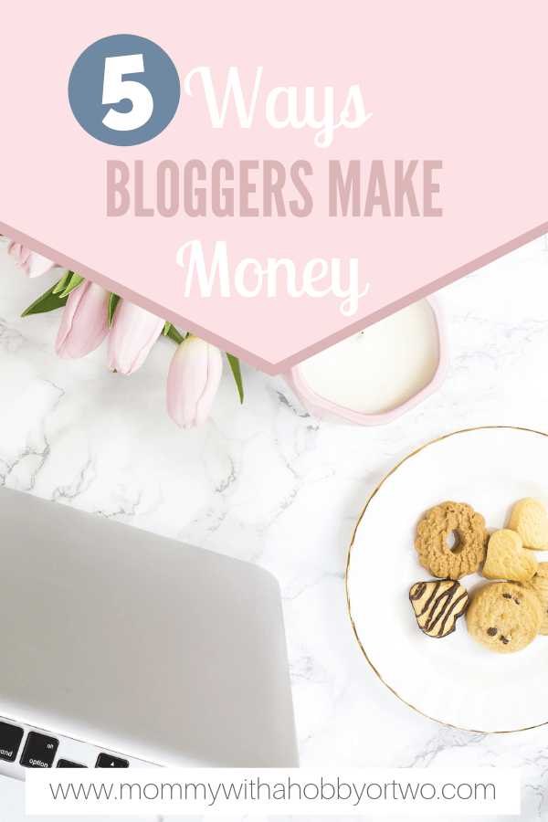 Have you ever looked at one of those big time bloggers that you see everywhere actually make money? I sure did when I started blogging a year ago. I began blogging as a creative outlet but soon learned that it could turn into a money maker if I wanted it to. So how do you do it? How do you make money blogging?
