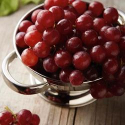 Deluxe Red Red Seedless Grapes