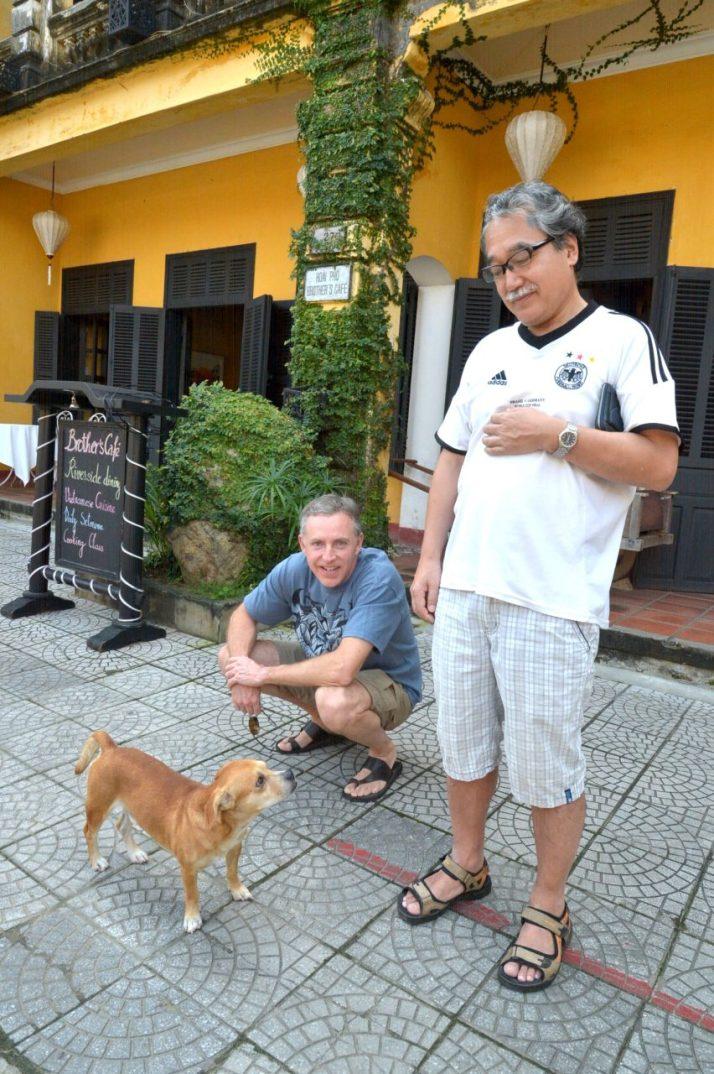 ホイアン旧市街の犬-HoiAn_64