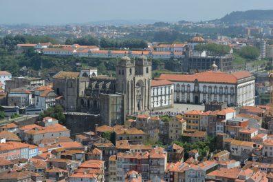ポルトの象徴クレリゴス教会鐘塔からの眺望-4