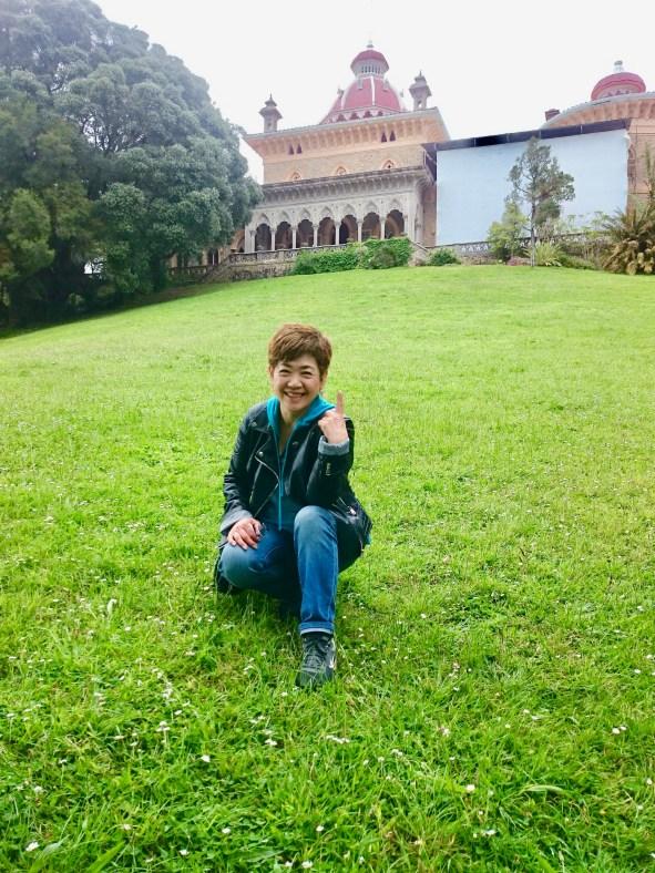 モンセラーテの宮殿前にて-i