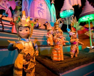 """it's a small world"" gallery photo shoot"