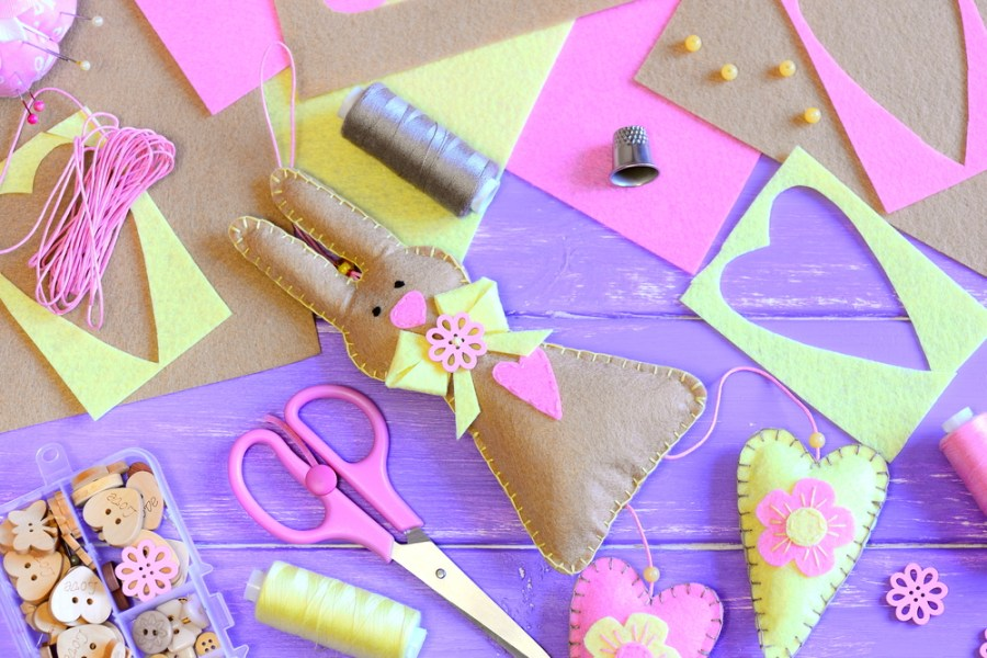 12 DIY Easter Crafts For Kids