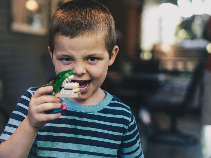 Hoe poets je op de juiste wijze de tanden van je kindje?