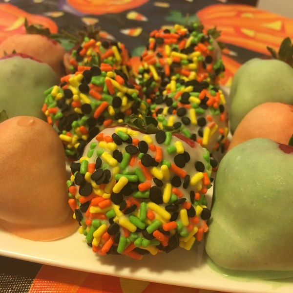 halloween chocolate covered strawberries inspired recipe moms bistro easy last minute halloween fruit