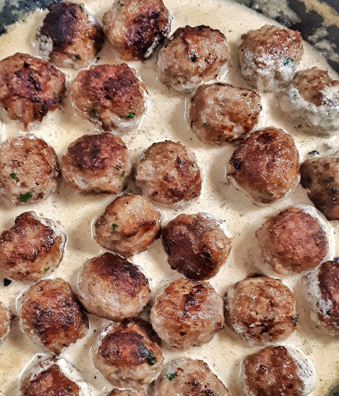 This is the best keto Swedish meatballs recipe. Perfect appetizeror main dish, they are flavorful and have the most amazing creamy gravy sauce.