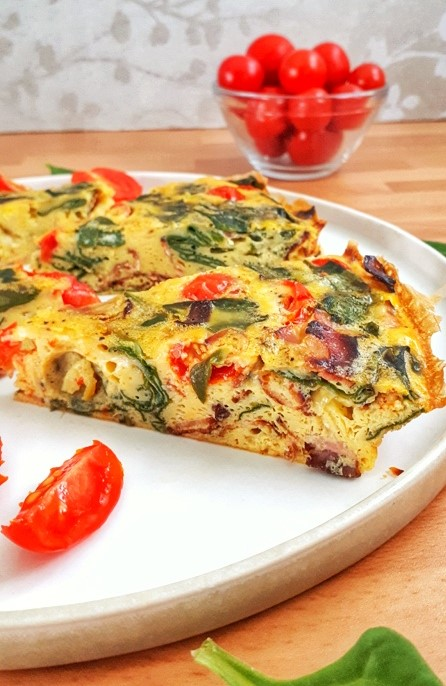 This spinach tomato frittata is a keto, low carb and whole30 recipe that's perfect for any meal from brunch to dinner, they're easy and delicious.