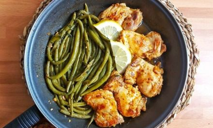 Keto Lemon Garlic Butter Chicken Thighs & Green Beans Skillet
