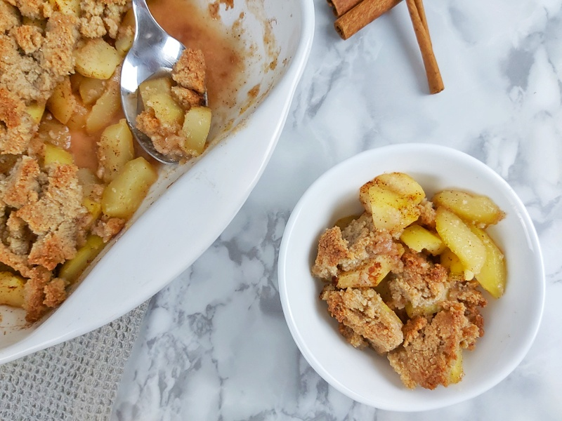 This is a low carb version of Apple Crisp. This is made with zucchini, lemon, and apple spices. This is the best apple crisp you will ever eat. #KETOAPPLE #APPLECRISP