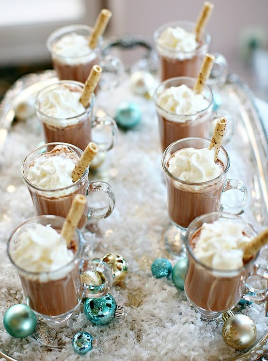 Holiday Party Cocktail Ideas | Mom Spark - Mom Blogger