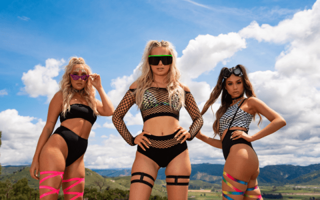 Are you prepared for festival season? Check out the rave clothing trends of 2019 for your new festival outfit! #rave #ravewear #festival #festivaloutfit