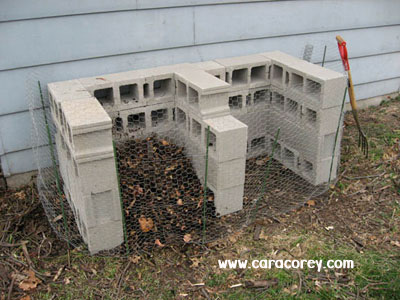 25+ DIY Cinder Block Projects for Your Home @ Momwithaprep.com | Project from CaraCorey.com