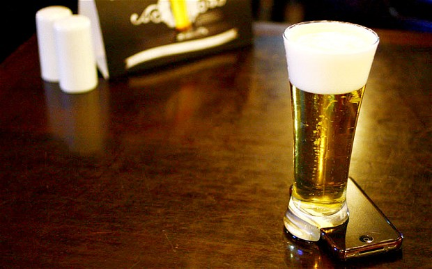 Bière et smartphone