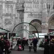 Les chalets blancs de Noël à Rouen