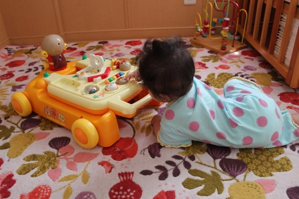 生後8ヶ月~9ヶ月の赤ちゃんの特徴は?
