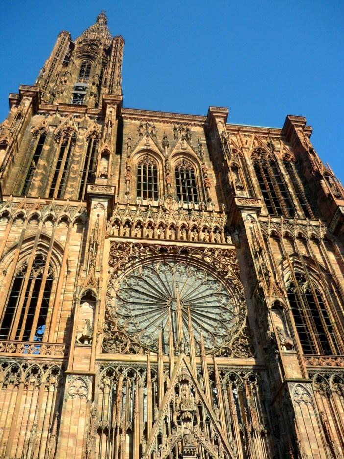 La façade de la cathédrale de Strasbourg © French Moments