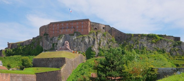 Citadelle et lion de Belfort © Thomas Bresson - licence [CC BY-SA 3.0] from Wikimedia Commons