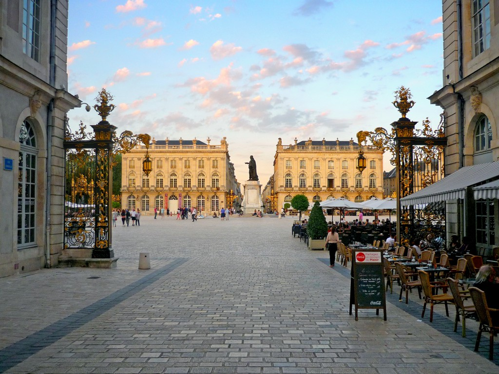 la place stanislas nancy la plus belle place d 39 europe mon grand est. Black Bedroom Furniture Sets. Home Design Ideas