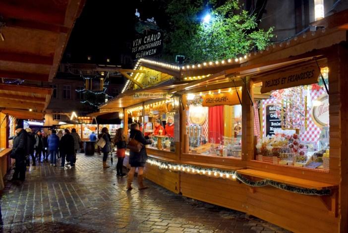 Marché de Noël de la place Saint-Thomas à Strasbourg © French Moments