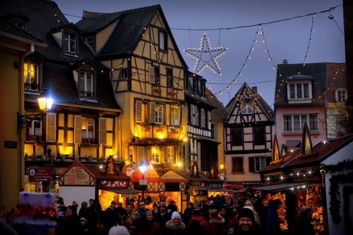 Au marché de Noël de Colmar (place des Dominicains) © French Moments