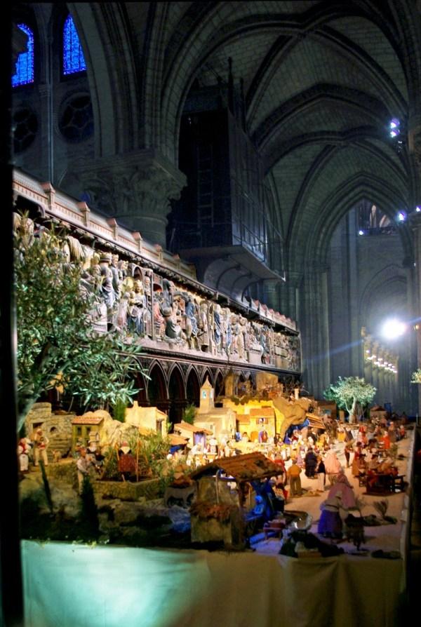 crèche de Noël Notre-Dame Paris 2016 2017