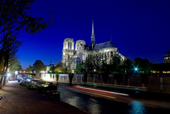 Le chevet de Notre-Dame de Paris © French Moments
