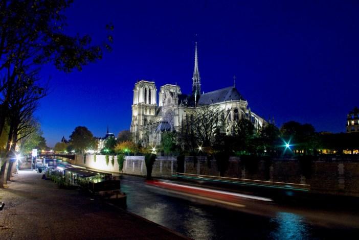 Le chevet de Notre-Dame de Paris © French Moments