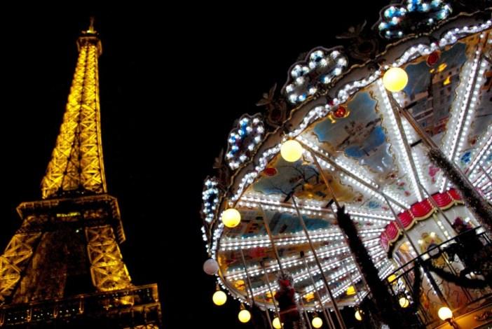 Carrousel Tour Eiffel Paris