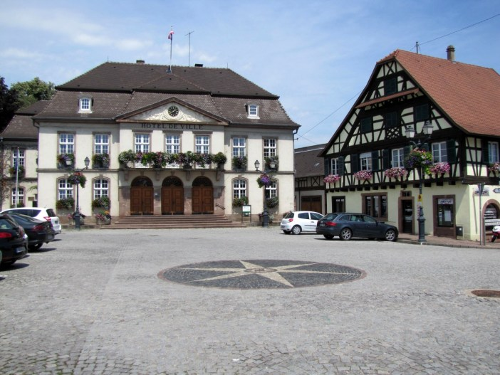 Autour de Strasbourg - Erstein © Ralph Hammann - licence [CC BY-SA 4.0] from Wikimedia Commons
