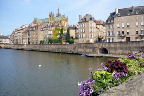 Vue de la vieille ville de Metz du Moyen-Pont © French Moments