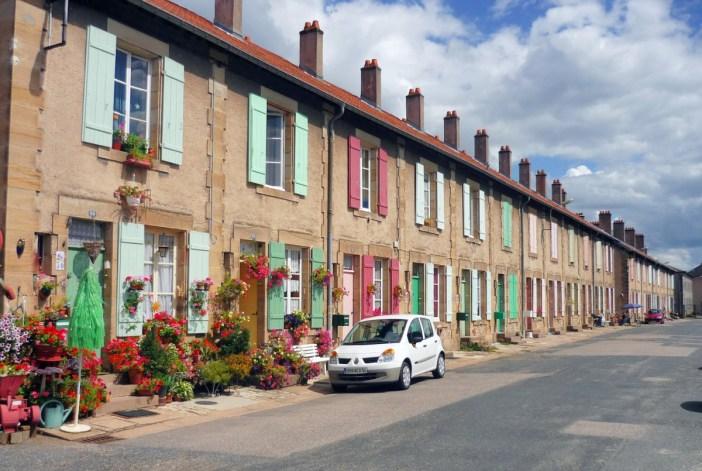 Maisons ouvrières de la cristallerie de Baccarat © French Moments