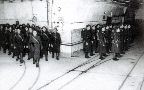 Relève des troupes dans un ouvrage de la ligne Maginot
