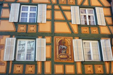 La façade peinte de l'Auberge de l'éléphant, Ribeauvillé © French Moments