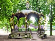Le kiosque Mozart du Parc de la Pépinière en été © French Moments