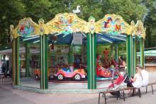Manège pour enfants au Parc de la Pépinière © French Moments