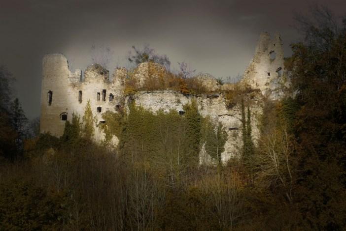 Le château du Morimont dans le Sundgau © French Moments
