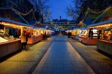 Marché de Noël sur la place Saint-Jacques de Metz © French Moments