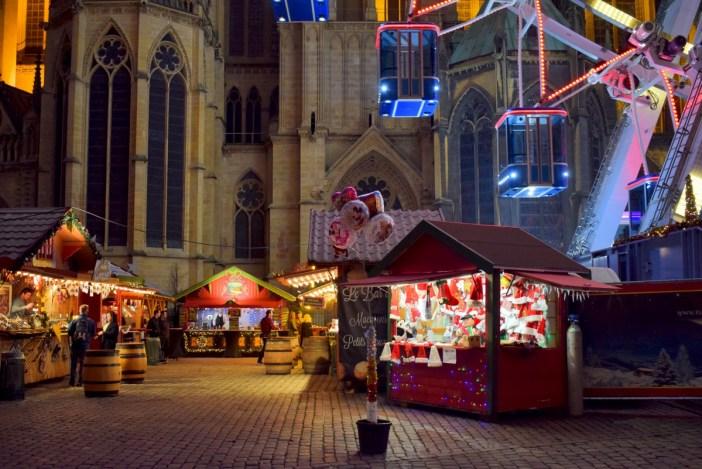 Marché de Noël sur la place d'Armes de Metz © French Moments