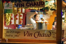 Vin chaud à la Petite-France de Strasbourg © French Moments