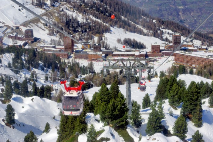 Descente sur Plagne-Centre par le funiplagne © French Moments