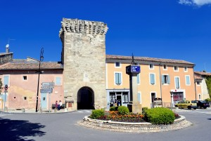 Pernes-les-Fontaines © French Moments