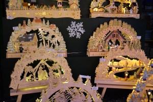 Arcs Lumineux au marché de Noël de Strasbourg © French Moments
