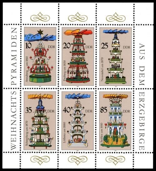 Timbres de la RDA de 1987 avec pyramides de Noël