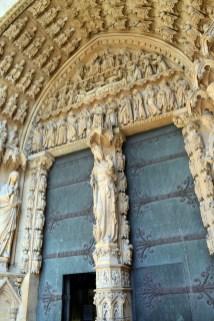 Portail de la Vierge © French Moments