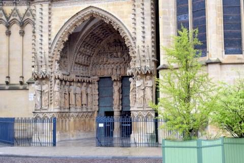 Le portail de la Vierge © French Moments