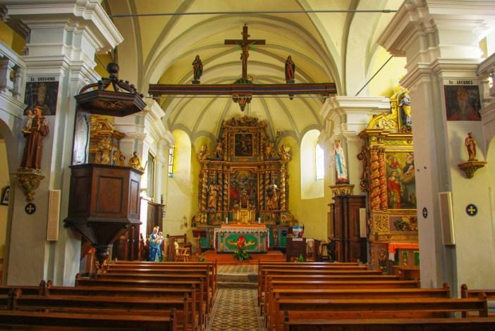 La nef de l'église de Granier © French Moments