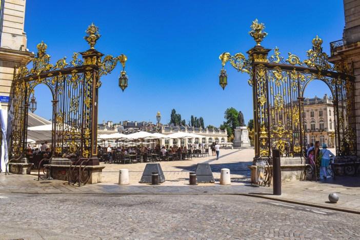 Les portes d'or de la place Stanislas à Nancy © French Moments